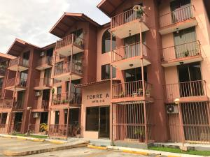 Apartamento En Ventaen Panama, Chanis, Panama, PA RAH: 19-431