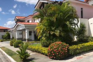 Casa En Alquileren Panama, Versalles, Panama, PA RAH: 19-482