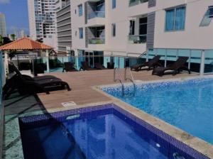 Apartamento En Alquileren Panama, San Francisco, Panama, PA RAH: 19-515