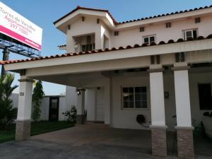 Casa En Alquileren Panama, Versalles, Panama, PA RAH: 19-654
