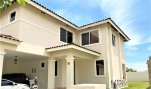 Casa En Ventaen Panama, Panama Pacifico, Panama, PA RAH: 19-944