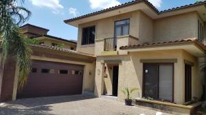 Casa En Ventaen Panama, Clayton, Panama, PA RAH: 19-1018