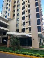 Apartamento En Alquileren Panama, San Francisco, Panama, PA RAH: 19-1059