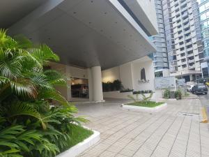 Apartamento En Alquileren Panama, Paitilla, Panama, PA RAH: 19-1095