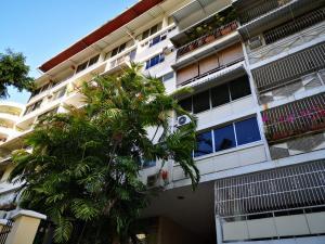 Apartamento En Alquileren Panama, El Cangrejo, Panama, PA RAH: 19-1135