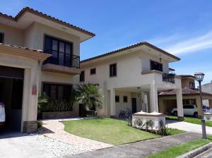Casa En Alquileren Panama, Clayton, Panama, PA RAH: 19-1339