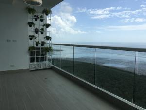 Apartamento En Alquileren Panama, Costa Del Este, Panama, PA RAH: 19-1409