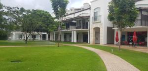 Apartamento En Ventaen Rio Hato, Buenaventura, Panama, PA RAH: 19-1444