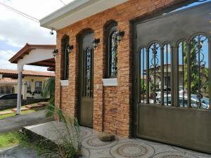 Casa En Alquileren Panama, Brisas Del Golf, Panama, PA RAH: 19-1554