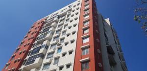 Apartamento En Ventaen Panama, 12 De Octubre, Panama, PA RAH: 19-1722
