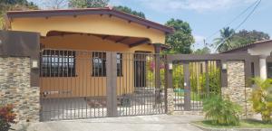 Casa En Alquileren Panama, Brisas Del Golf, Panama, PA RAH: 19-1742