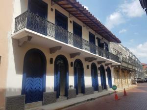 Local Comercial En Alquileren Panama, Casco Antiguo, Panama, PA RAH: 19-2019