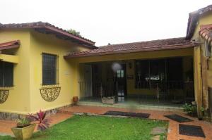 Casa En Ventaen Panama, Las Cumbres, Panama, PA RAH: 19-2170