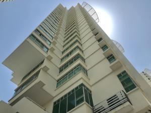 Apartamento En Ventaen Panama, Edison Park, Panama, PA RAH: 19-3179