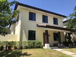 Casa En Alquileren Panama, Panama Pacifico, Panama, PA RAH: 19-3227