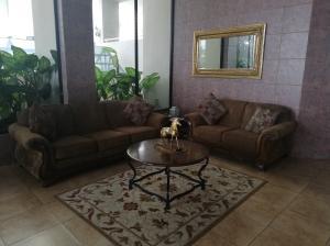 Apartamento En Alquileren Panama, El Dorado, Panama, PA RAH: 19-3254