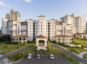 Apartamento En Ventaen Panama, Santa Maria, Panama, PA RAH: 19-3297