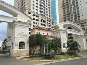 Apartamento En Alquileren Panama, Punta Pacifica, Panama, PA RAH: 19-3449