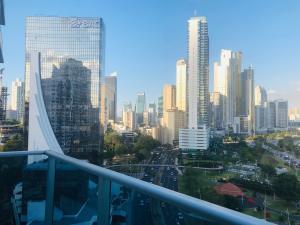 Apartamento En Alquileren Panama, Avenida Balboa, Panama, PA RAH: 19-3906