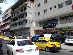 Apartamento En Alquileren Panama, Balboa, Panama, PA RAH: 19-4066