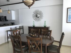 Apartamento En Alquileren Panama, Avenida Balboa, Panama, PA RAH: 19-4199
