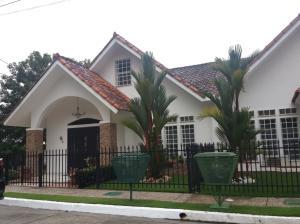 Casa En Ventaen San Miguelito, Brisas Del Golf, Panama, PA RAH: 19-4237