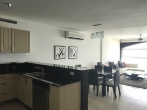 Apartamento En Alquileren Panama, Avenida Balboa, Panama, PA RAH: 19-4285