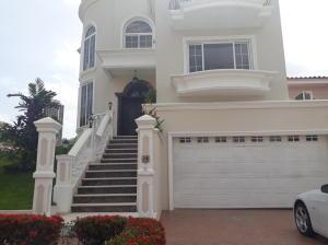 Casa En Ventaen Panama, Altos De Panama, Panama, PA RAH: 19-100