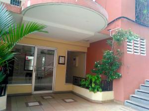 Apartamento En Ventaen Panama, Carrasquilla, Panama, PA RAH: 19-4444
