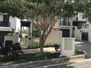 Casa En Alquileren Panama, Panama Pacifico, Panama, PA RAH: 19-4456