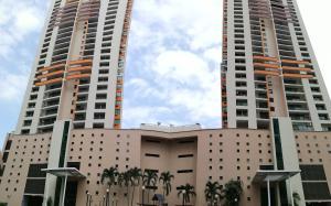 Apartamento En Alquileren Panama, Punta Pacifica, Panama, PA RAH: 19-4508