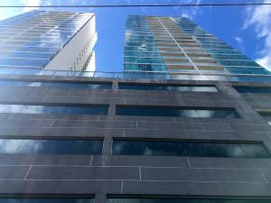 Apartamento En Alquileren Panama, Punta Pacifica, Panama, PA RAH: 19-5202
