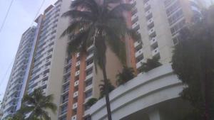 Apartamento En Alquileren Panama, El Cangrejo, Panama, PA RAH: 19-5495