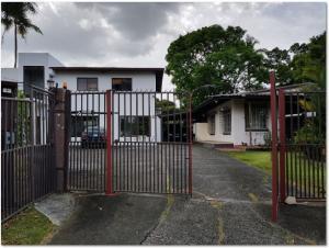 Casa En Ventaen Panama, Diablo, Panama, PA RAH: 19-5613