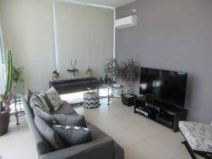 Apartamento En Ventaen Panama, Costa Del Este, Panama, PA RAH: 19-5711