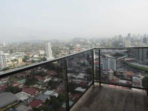 Apartamento En Ventaen Panama, El Carmen, Panama, PA RAH: 19-3385