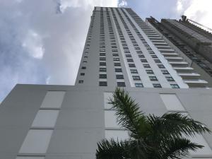 Apartamento En Alquileren Panama, Santa Maria, Panama, PA RAH: 19-5814