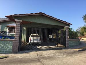 Casa En Ventaen Panama, Las Cumbres, Panama, PA RAH: 19-6075