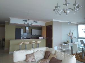 Apartamento En Alquileren Panama, Punta Pacifica, Panama, PA RAH: 19-6077