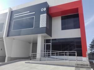 Galera En Ventaen Panama, Tocumen, Panama, PA RAH: 19-6249