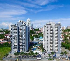 Apartamento En Alquileren Panama, 12 De Octubre, Panama, PA RAH: 19-6550