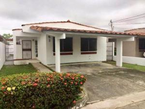 Casa En Ventaen Panama, Chanis, Panama, PA RAH: 19-6553