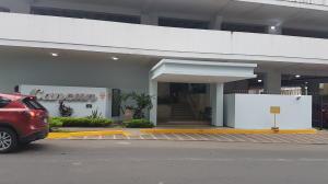 Apartamento En Alquileren Panama, Obarrio, Panama, PA RAH: 19-6603