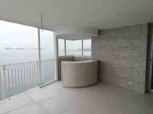 Apartamento En Ventaen Panama, Paitilla, Panama, PA RAH: 19-6668