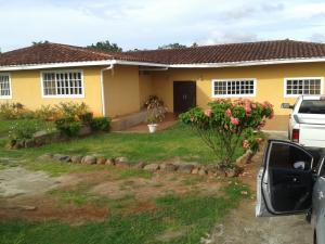 Casa En Alquileren Panama, Pacora, Panama, PA RAH: 19-6776