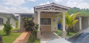 Casa En Alquileren Panama, Las Cumbres, Panama, PA RAH: 19-7182