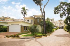 Casa En Alquileren Panama, Cocoli, Panama, PA RAH: 19-7359