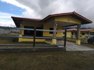 Casa En Alquileren Tierras Altas, Volcan, Panama, PA RAH: 19-7462