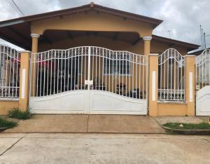 Casa En Ventaen Panama, Brisas Del Golf, Panama, PA RAH: 19-7663