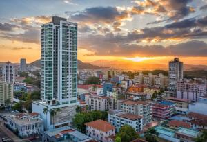 Apartamento En Ventaen Panama, Bellavista, Panama, PA RAH: 19-6694
